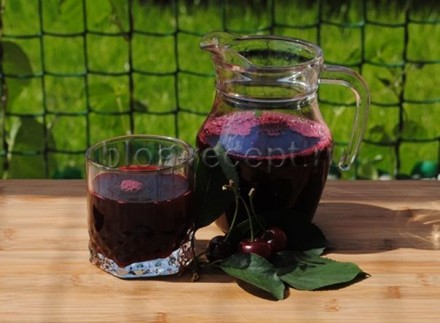 Вишнёвый натуральный сок, без воды, без каких либо добавок, только чистый 100% с. Ужгород, Закарпатская область. фото 2