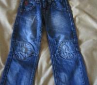 Темно-синие джинсы длинна от пояса 60 см,написан на рост 98, покупали в дорогом . Харьков, Харьковская область. фото 2