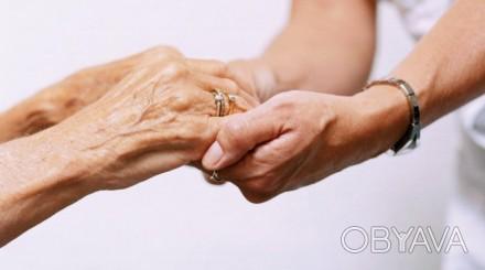 Уход за больными, инвалидами и пожилыми людьми; подбор квалифицированной сиделки. Днепр, Днепропетровская область. фото 1