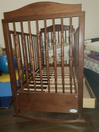 Детская кроватка Baby Italia, выполнена из бука в коричневом цвете. Размер спаль. Киев, Киевская область. фото 5