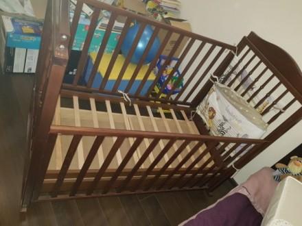 Детская кроватка Baby Italia, выполнена из бука в коричневом цвете. Размер спаль. Киев, Киевская область. фото 3