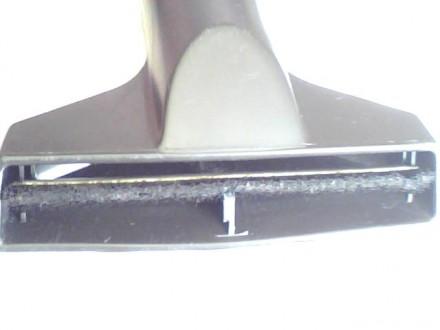 Насадка с щеткоу для пылесоса . На трубу диаметра 35 мм. Состояние хорошее. С. Николаев, Николаевская область. фото 2