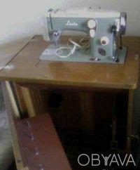 Швейно-вышивальная машина Lada Т 237-1 с электроприводом. Суми. фото 1
