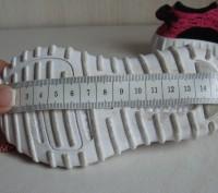 Продаю кроссовочки для девочки текстильные,розовые,размер 22,внутри по стельке 1. Черкассы, Черкасская область. фото 6