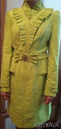Продам демисезонный плащ на девочку-подростка 11-13 лет.  Одевался один раз. Д. Днепр, Днепропетровская область. фото 1