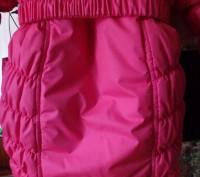 На девочку 3-5 лет.Курточка теплая.В хорошем состоянии.Требуется замена змейки.Т. Ні́кополь, Дніпропетровська область. фото 3