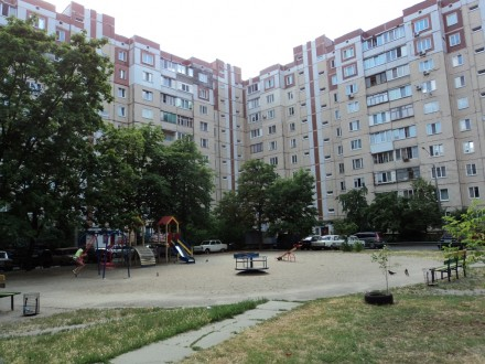 Троещина,пр.Маяковского№63А,Метро Дарница-Петровка. Киев. фото 1