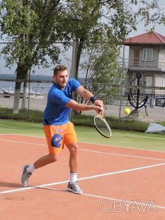 Теннисный корт расположен в городском яхт-клубе на самом берегу Днепра. Комфортн. Запорожье, Запорожская область. фото 1