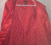 Теплая зимняя куртка красного цвета, с воротником который отстегивается.. Запорожье, Запорожская область. фото 4