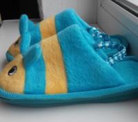 Тапочки состояние нових на фото видно сзади резиночки для удобства в носке. Козелец, Черниговская область. фото 4
