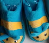 Тапочки состояние нових на фото видно сзади резиночки для удобства в носке. Козелец, Черниговская область. фото 3