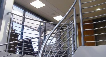 Изготовление с нержавеющей стали изделий любой сложности. Лестницы, перила, огр. Киев, Киевская область. фото 6
