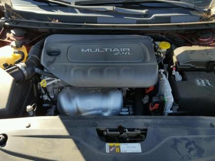 Chrysler 200 Limited 2.4L АТ 2015 красный седан из США Год выпуска: 2015 Пробе. Киев, Киевская область. фото 9