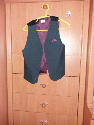 Пиджак  и жилет для мальчика 6-7 лет. В отличном состоянии.. Шостка, Сумская область. фото 6