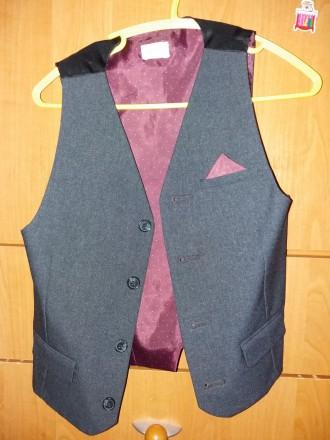 Пиджак  и жилет для мальчика 6-7 лет. В отличном состоянии.. Шостка, Сумская область. фото 7