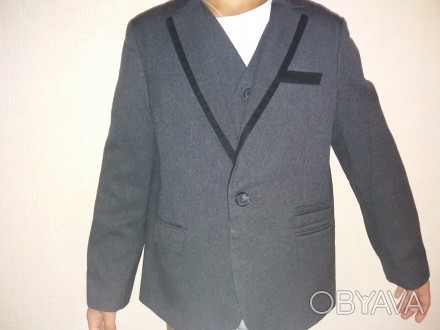 Пиджак  и жилет для мальчика 6-7 лет. В отличном состоянии.. Шостка, Сумская область. фото 1