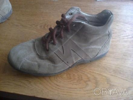 ботинки замшевые, в отличном состоянии, легкие и удобные!. Мелитополь, Запорожская область. фото 1