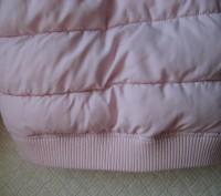 Нежно розовая курточка в отличном состоянии. Дырок, потертостей, пятен - нет. На. Кривой Рог, Днепропетровская область. фото 6