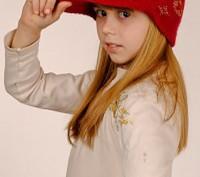Шапочка козырёк красная, для девочки. Запорожье. фото 1