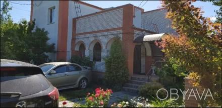 Якісний цегляний будинок з ремонтом, розташований на одному із затишних провулкі. Белая Церковь, Киевская область. фото 1