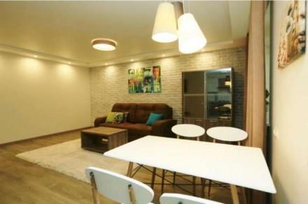 Квартира состоит из кухни - студио с французским балконом и двух отдельных спале. Центр, Миколаїв, Николаевская область. фото 4