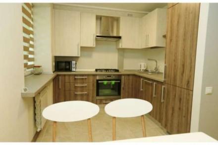 Квартира состоит из кухни - студио с французским балконом и двух отдельных спале. Центр, Миколаїв, Николаевская область. фото 6