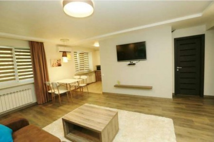 Квартира состоит из кухни - студио с французским балконом и двух отдельных спале. Центр, Миколаїв, Николаевская область. фото 11