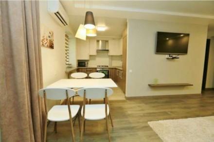 Квартира состоит из кухни - студио с французским балконом и двух отдельных спале. Центр, Миколаїв, Николаевская область. фото 7