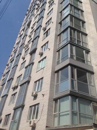 """Большая 4-х квартира для большой семьи. Комнаты все раздельные, по типу """"чешки"""",. Приднепровский, Днепр, Днепропетровская область. фото 2"""