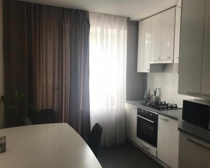 Квартира с качественным ремонтом, встроенной кухней со всей необходимой техникой. Ирпень, Киевская область. фото 5