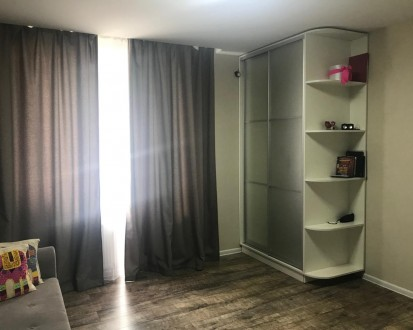 Квартира с качественным ремонтом, встроенной кухней со всей необходимой техникой. Ирпень, Киевская область. фото 2