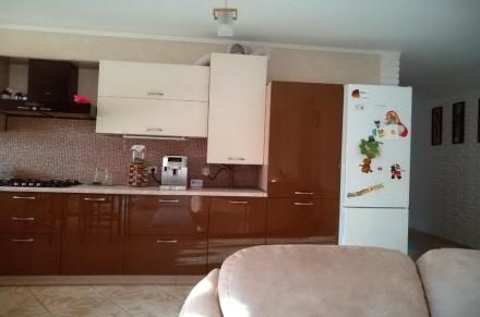 Площадь: 107/49/30  кв.м.;  Количество комнат: 3 ; Этажность: 4/4;  Документы. Ирпень, Киевская область. фото 2