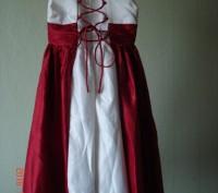 Продам очень нарядное платье для девочки 6 лет.   Состав 65% polyester, 35% cot. Черкассы, Черкасская область. фото 3
