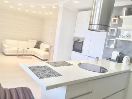 Долгосрочная аренда 1-комнатной квартиры с дизайнерским ремонтом в элитном ЖК «Г. Голосеево, Киев, Киевская область. фото 6