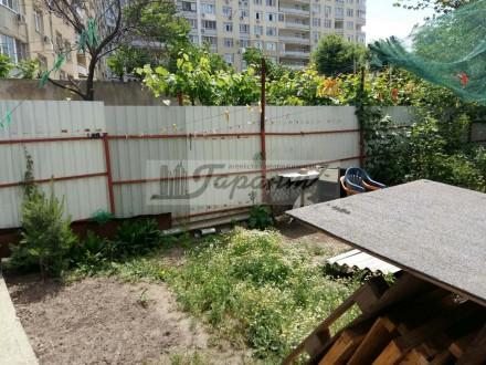 Квартира на земле, двухуровневая. Расположена на ул. Бреуса. 1 уровень - кухня (. Малиновский, Одесса, Одесская область. фото 11