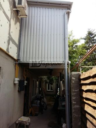 Квартира на земле, двухуровневая. Расположена на ул. Бреуса. 1 уровень - кухня (. Малиновский, Одесса, Одесская область. фото 10