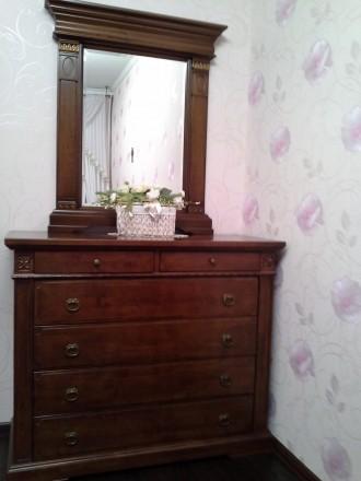 2х  спальный итальянский гарнитур из дерева. В него входит: кровать с матрасом, . Никополь, Днепропетровская область. фото 3
