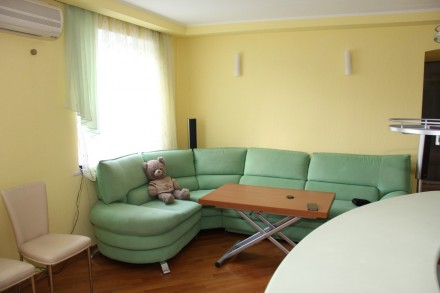 3х комн квартира 81 кВ м. Бул Звездный. Дафи.   Продам уютную 3х комн квартиру. Гагарина, Дніпро, Днепропетровская область. фото 3