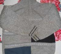 Продам свитерок на мальчика. Мелитополь. фото 1