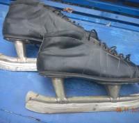коньки с ботинками из советской стали. Станично-Луганское. фото 1