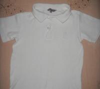 тениска на 3-5 лет белоснежная но есть пятнышко выводить не пробывала ,одевали п. Киев, Киевская область. фото 3