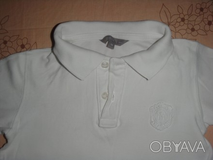 тениска на 3-5 лет белоснежная но есть пятнышко выводить не пробывала ,одевали п. Киев, Киевская область. фото 1
