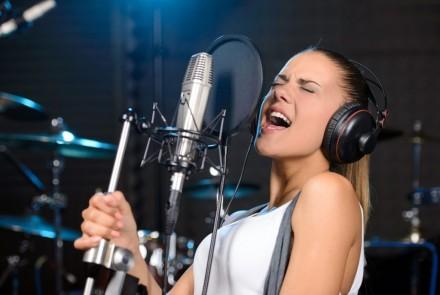 Уроки вокала на киностудии Довженко. Киев. фото 1
