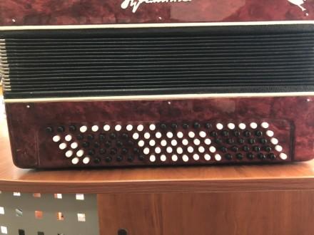 · Количество кнопок правой клавиатуры(голоса): 3 ряда, 55 шт · Количество кнопок. Чернигов, Черниговская область. фото 4