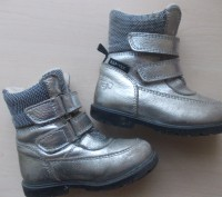 Детские кожаные сапожки 26 размера. Классного качества.  Серебристого цвета, п. Киев, Киевская область. фото 7