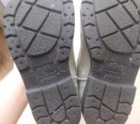 Детские кожаные сапожки 26 размера. Классного качества.  Серебристого цвета, п. Киев, Киевская область. фото 4