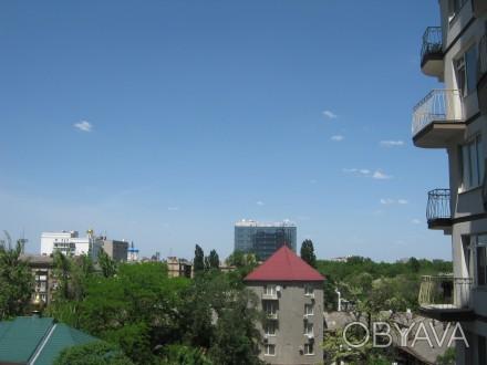 Квартира в новом доме на шестом этаже шестнадцати этажного дома Квартира чистая . Приморский, Одесса, Одесская область. фото 1