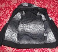 Куртка в отличном состоянии. Капюшон отстёгивается. Размер S.замеры по запросу. Кременчуг, Полтавская область. фото 3