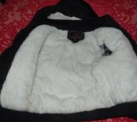 зимняя куртка очень теплая. Целая негде не порвана на синтепоне и с меховой подк. Кременчуг, Полтавская область. фото 4