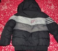 зимняя куртка очень теплая. Целая негде не порвана на синтепоне и с меховой подк. Кременчуг, Полтавская область. фото 7